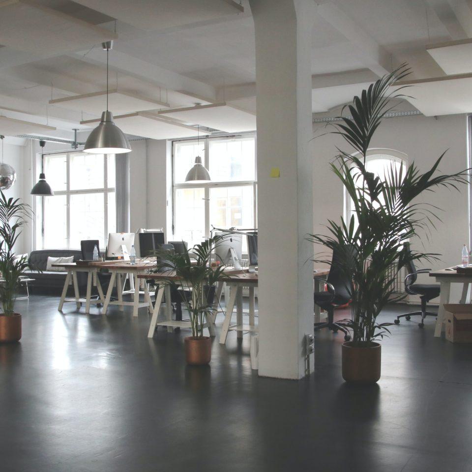 empty-office-needing-uv-c-air-treatment